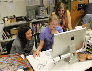 students-using-iMac-2
